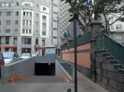PEATONALIZACIÓN DE LA SUPERFICIE DEL APARCAMIENTO VALENTÍN SANZ
